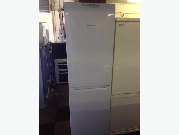 HOTPOINT FRIDGE FREEZER 4 DRAWS FROST FREE SUPER FREEZE