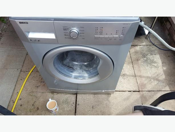 washing machine very good condition selling because I've had a new one