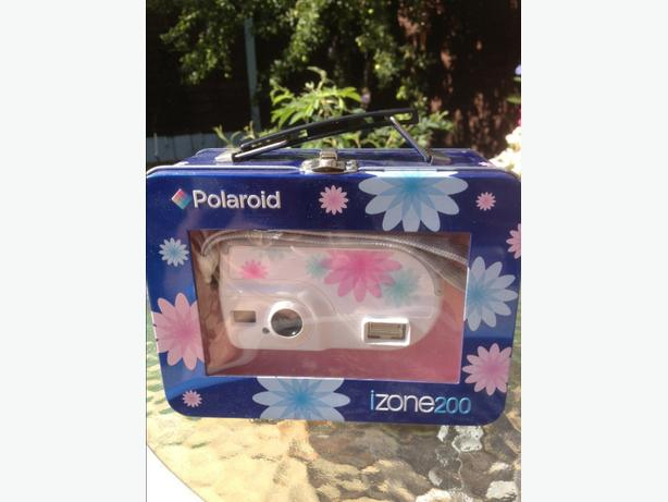 POLAROID IZONE 200 CAMERA