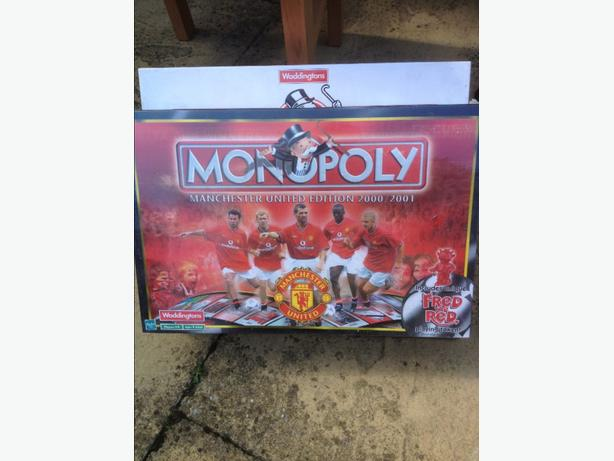 MONOPOLY MANCHESTER UNITED 2000 TO 2001
