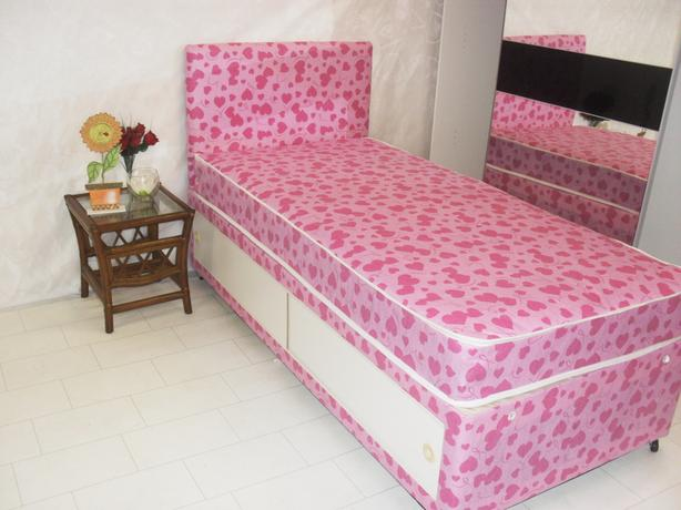 NEW PINK HEARTS BED WITH SLIDE STORAGE