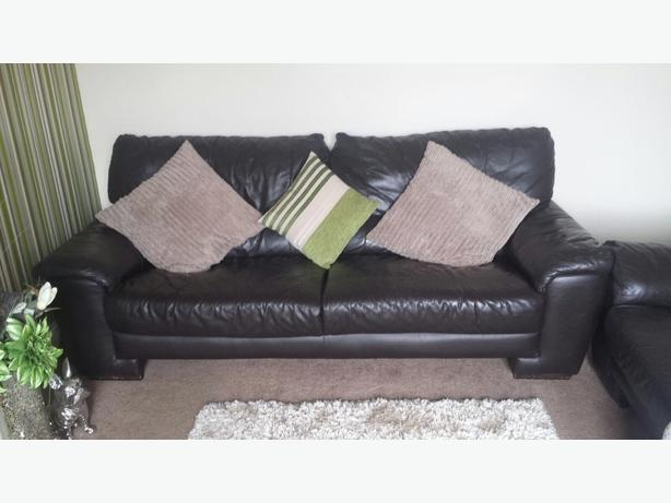 Brown 3 & 2 seater leather sofa