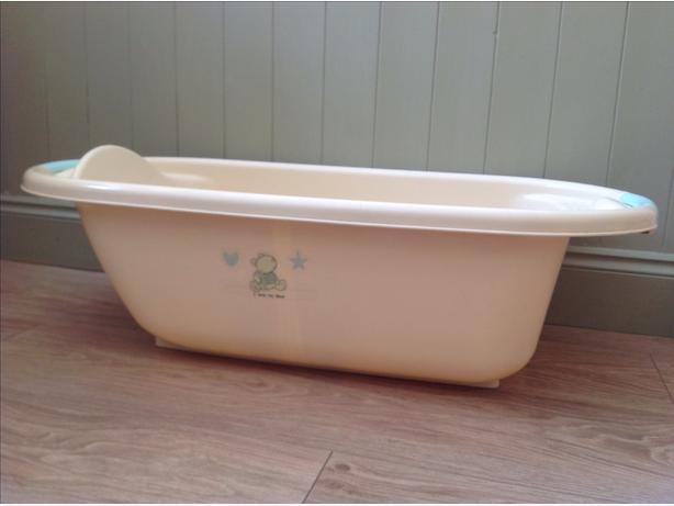 Cream baby bath