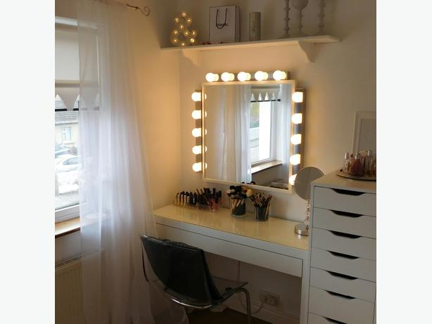 Led dressing room style lights and mirror