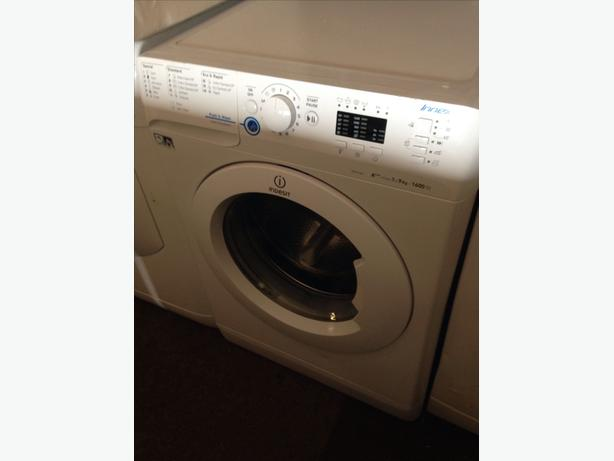 INDESIT 9KG WASHING MACHINE01