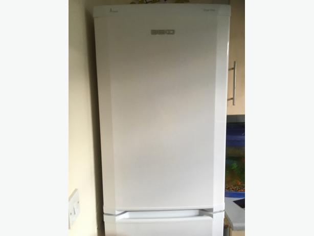 fridge freezer and electric coocker