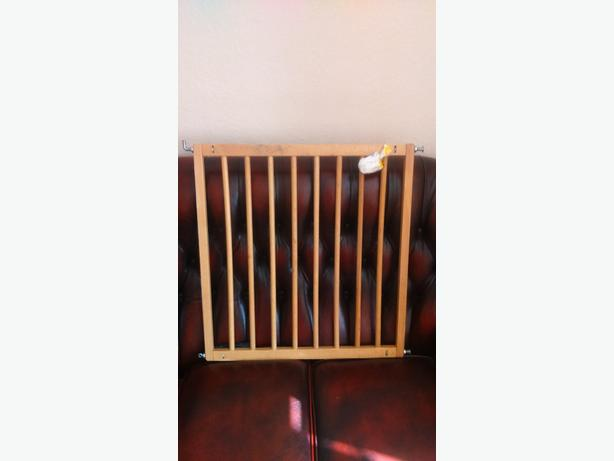 kids safely stair gate
