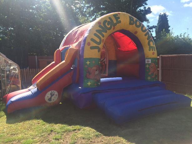 bouncy castle for hore