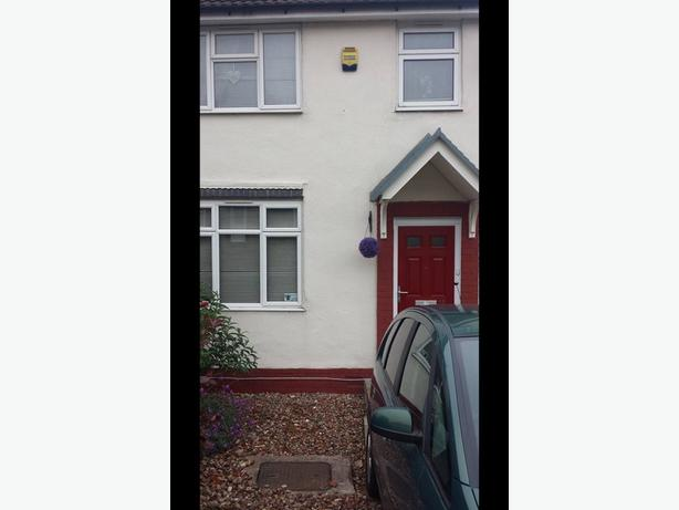 2 bed house oldbury needing a 3 or 4 bed