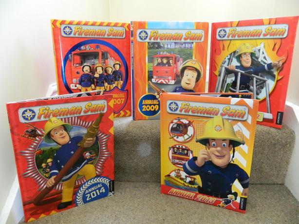 5 x Fireman Sam Annuals