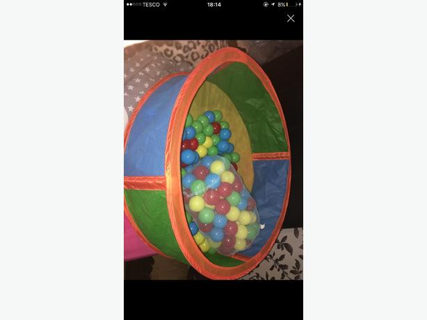 ball pit with play balls
