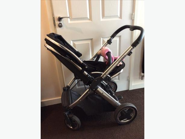 Oyster 2 pram black and chrome