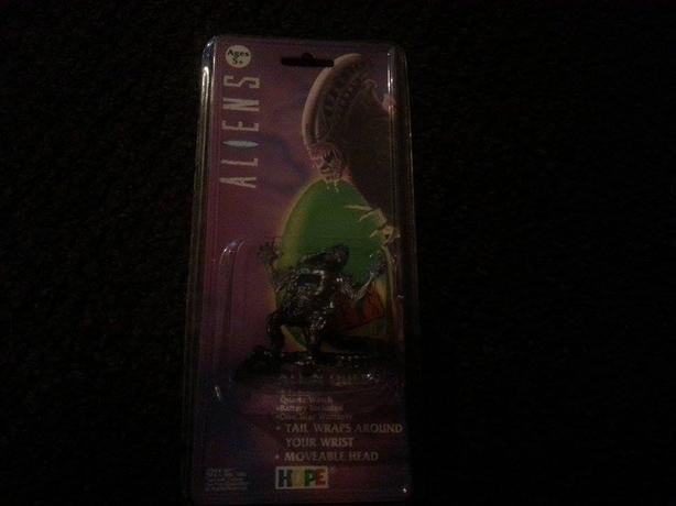 1993 Aliens Queen Digital Watch (Never Opened) MINT! RARE!