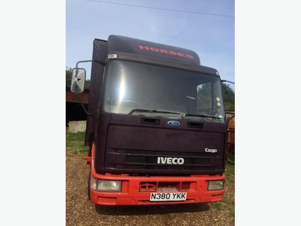 7.5 ton . horse box  iveco cargo