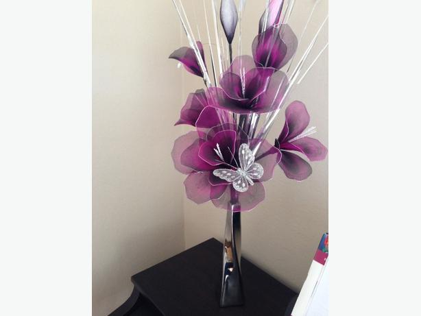 purple and silver flower arrangement