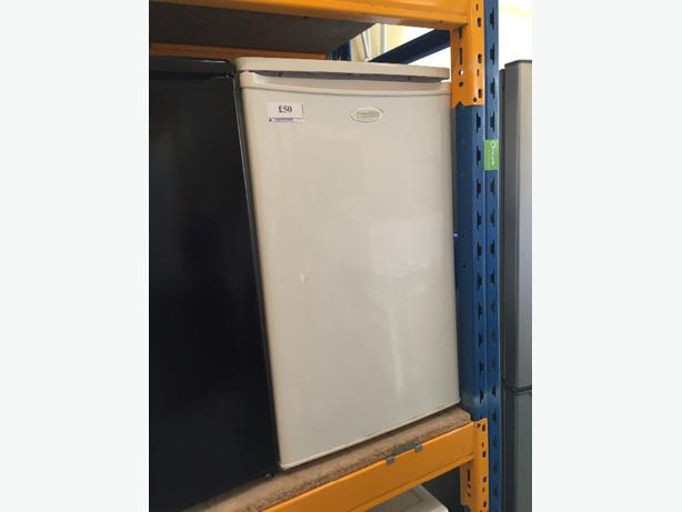☀️🚚homeking icebox fridge very clean
