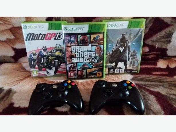 Xbox 360 Slim 250GB 2 Controllers + 3 Games
