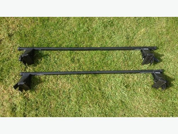 Volkswagen Golf MK5 2004 roof bars