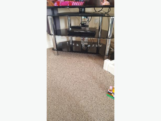 black livingroom furniture