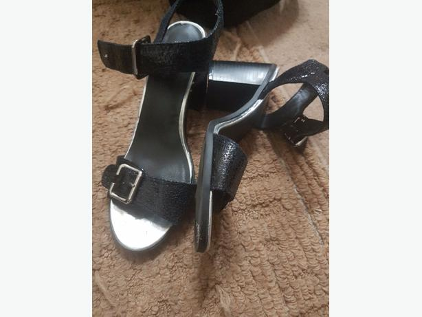 girls/womens shoes