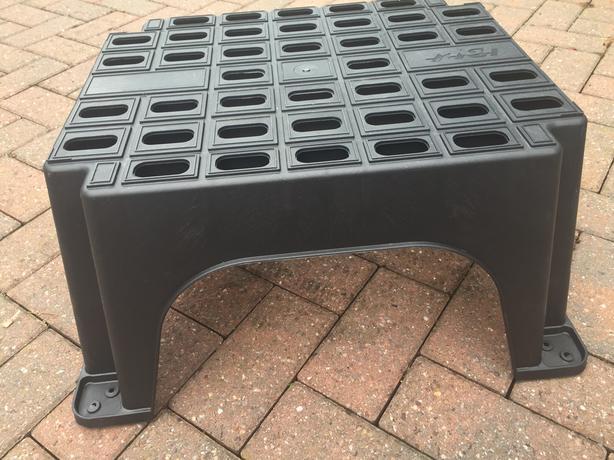 Black Plastic Step (NEW)