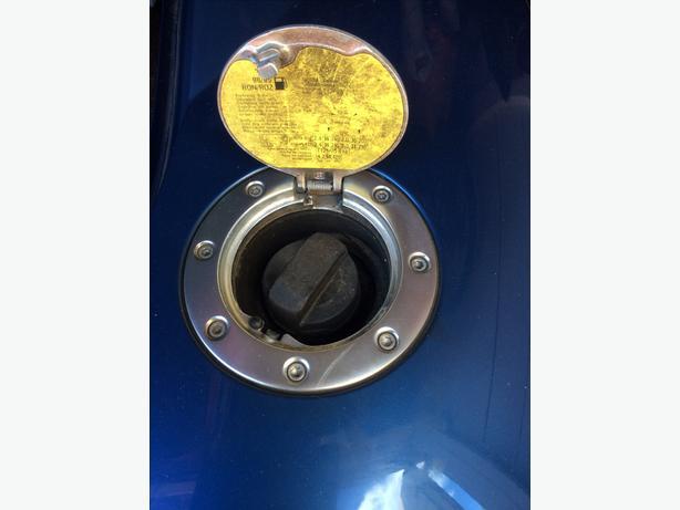 AUDI-TT-MK1-PETROL-FUEL-FILLER-FLAP-COVER-8N0809905C-RELEASE-SOLENOID