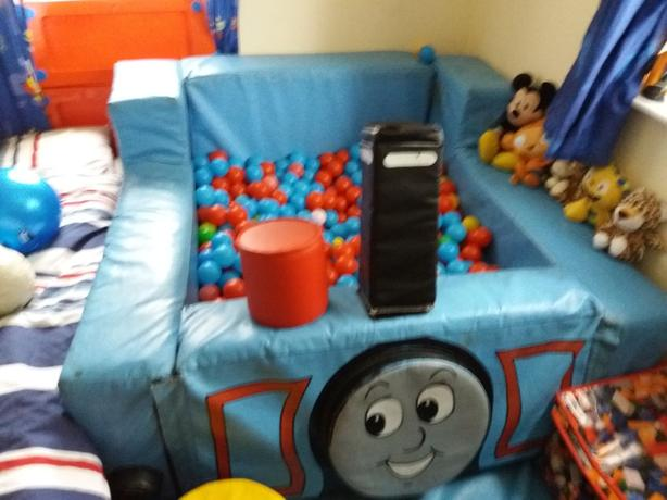 Sensory Thomas the tank ballpit and balls