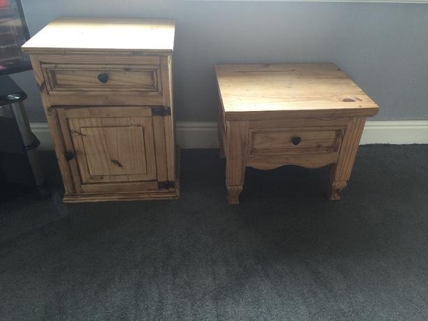 solid oak coffee table & cabinet