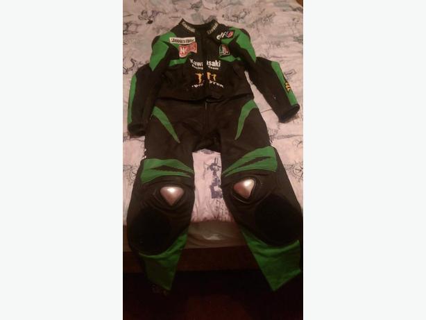 Kawasaki Green/Black Bike Leathers