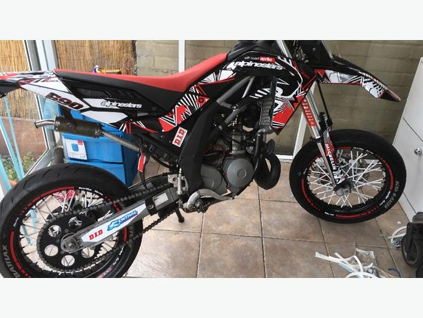 aprilia sx 125 supermoto 2009 full power kingswinford dudley. Black Bedroom Furniture Sets. Home Design Ideas