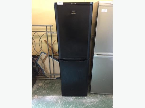 🎈☀️indesit black A➕class fridgefreezer