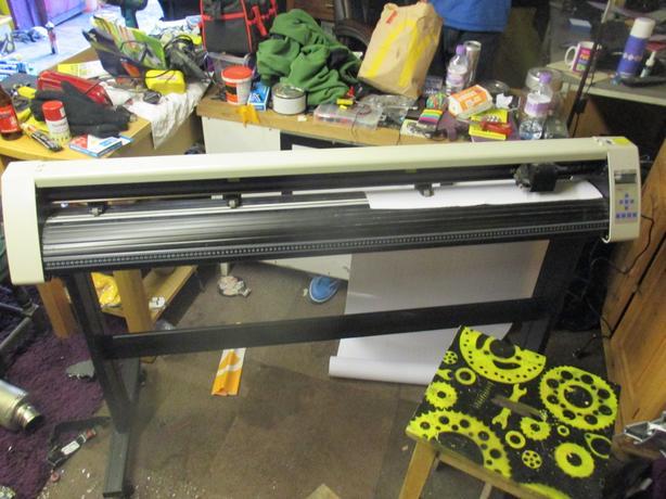 Vinyl Cutter / Plotter Large RS 1360C