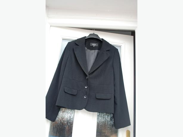 ladies skirt and jacket suit