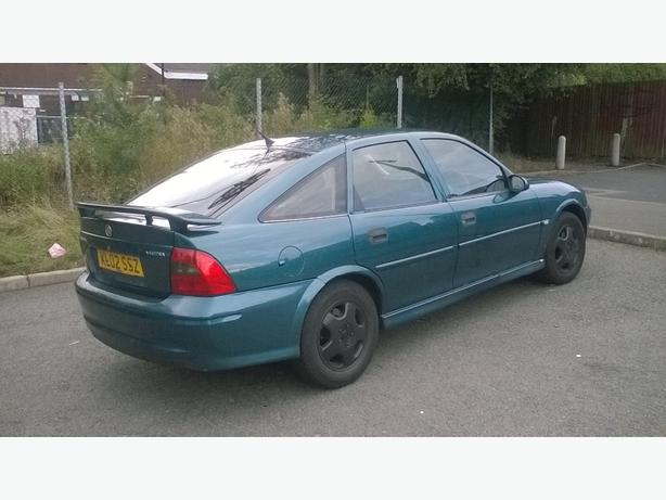 GRAB A BARGAIN**VAUXHALL VECTRA 1.8 AUTO