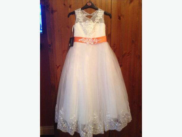 Beautiful bridesmaid dress new with tags age 5 years