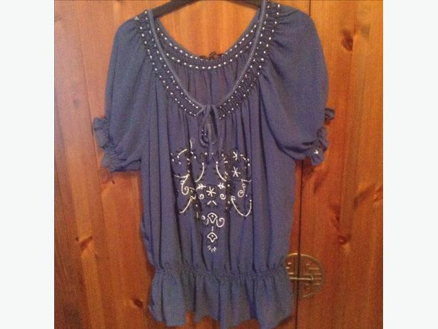 Pretty David emanuel gypsy top with camisole size 18  worn once