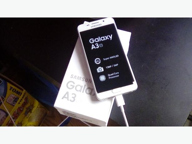 Brand new Samsung galaxy a3 white