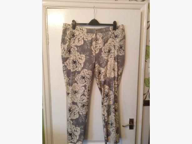 Bargain new modern Trousers size  18  new never worn