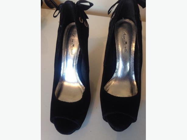 LADIES ANNE MICHELLE SHOES SIZE 7