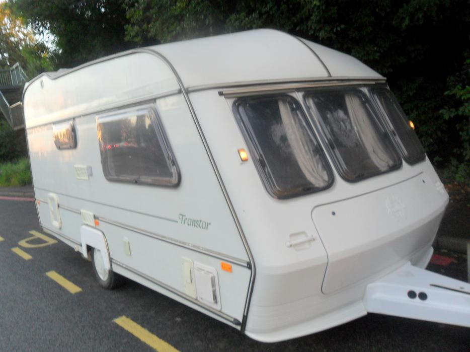 1998 abi award caravan with (full size awning ) 2 berth ...