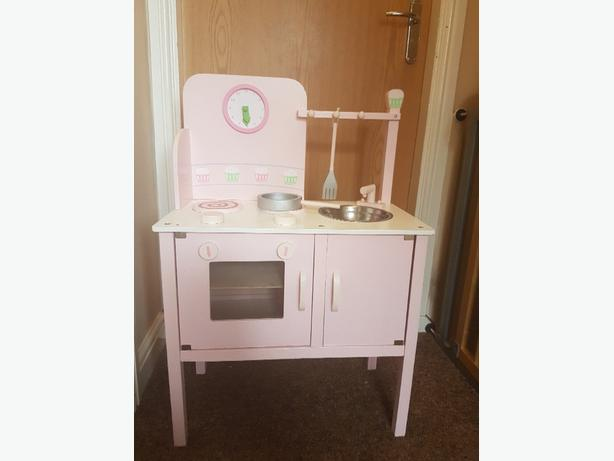 Girls wooden kitchen