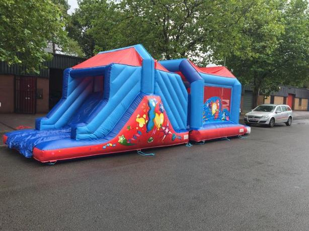 bouncy bouncy boo bouncy castle hire
