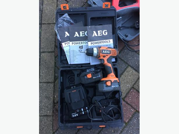 AEG 14.4V Cordless Drill Driver Kit Inc 2 Batteries and case. NO OFFERS
