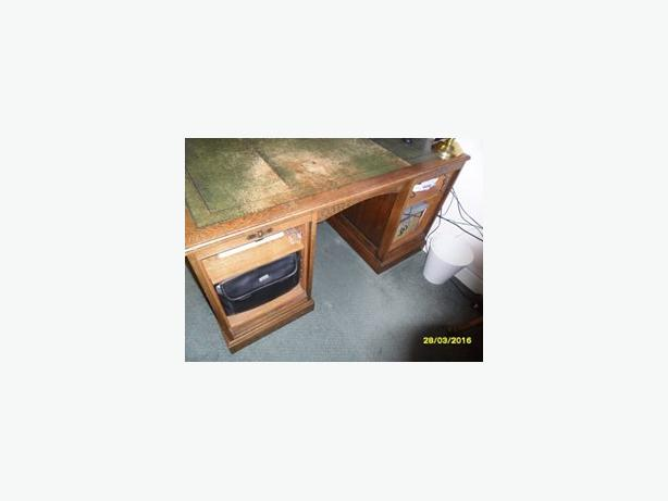Large twin pedestal partners desk with leather top