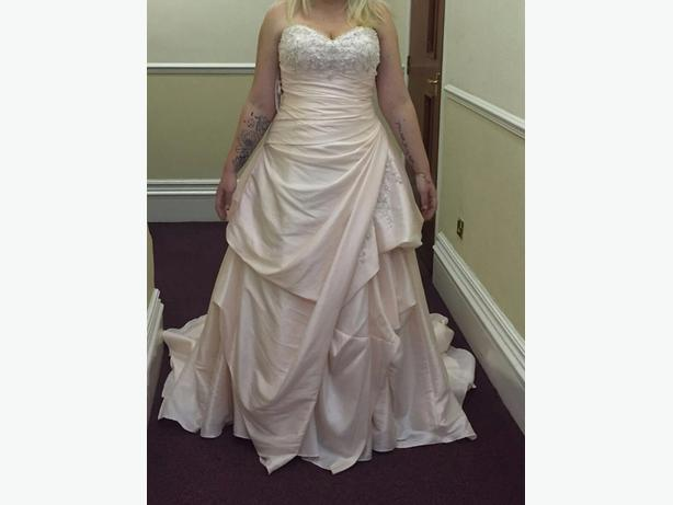 Size 18 alfred Angelo wedding dress