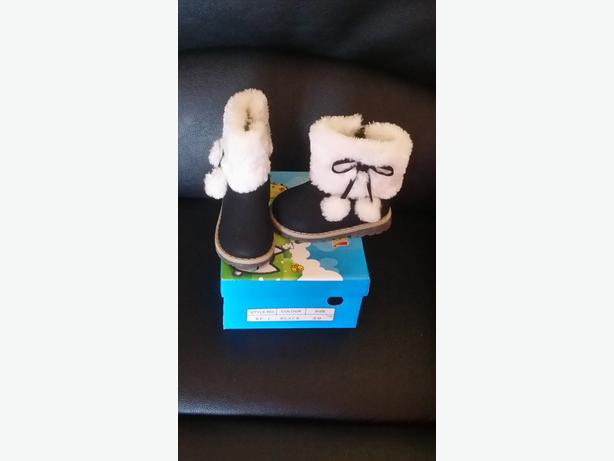Baby Girls Boots Size 4