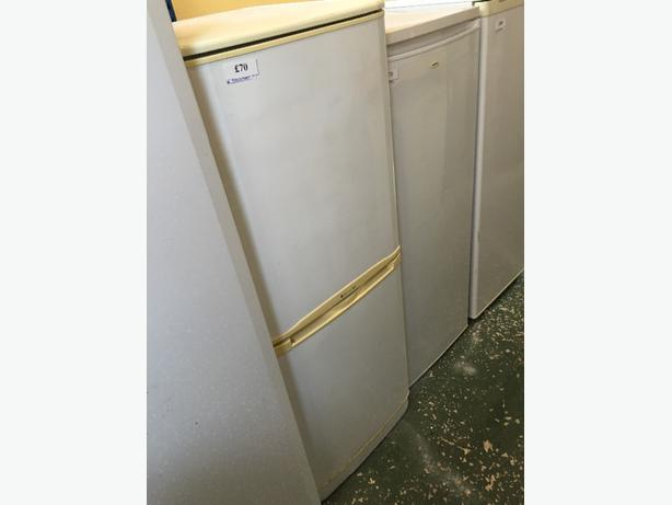 ☀️🎈 LG fridgefreezer free delivery