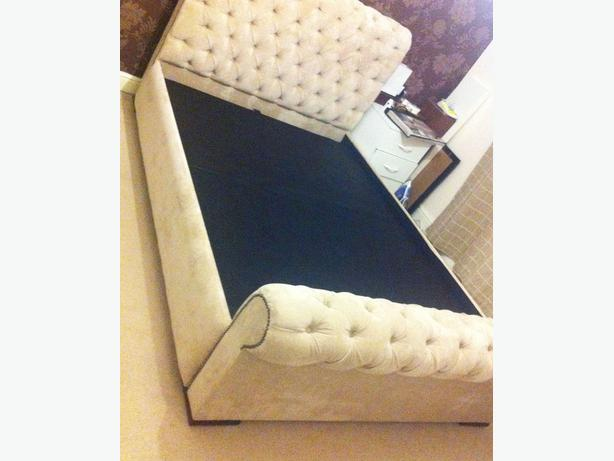 BRAND NEW Chesterfield Fabric Upholstered Double Frame Bed