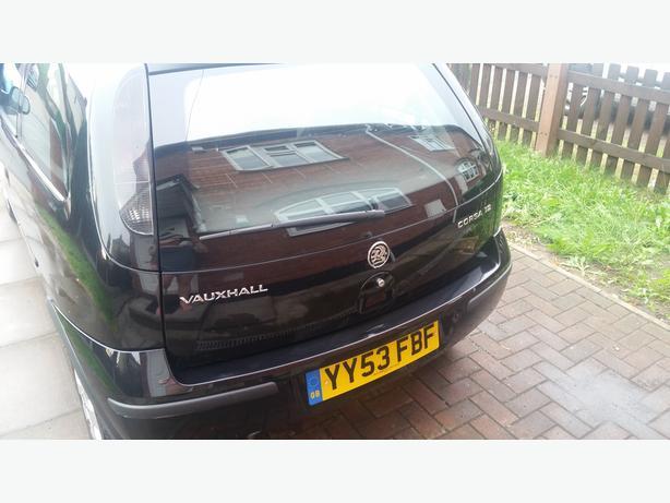 Black Vauxhall Corsa 1.2 SXI - 2003