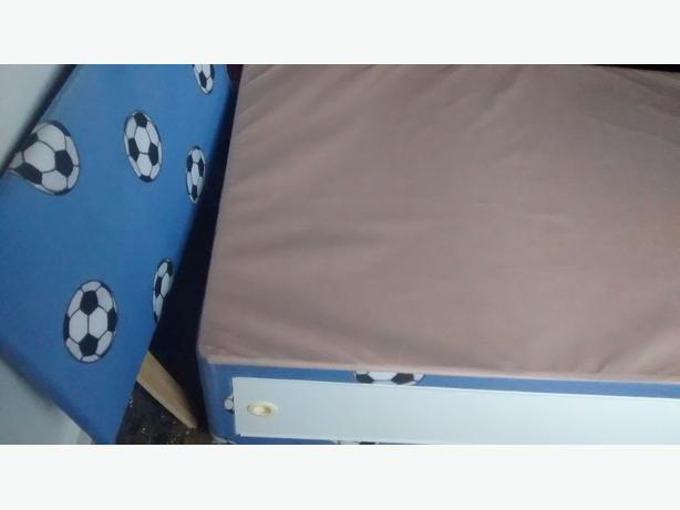 FREE: used bedbase and headboard (cant deliver)